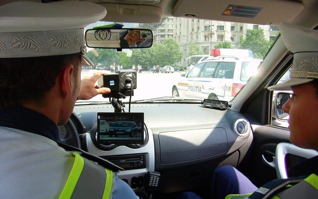 O decizie care-i bucură pe toţi şoferii. Radare numai pe maşinile cu însemnele Poliţiei